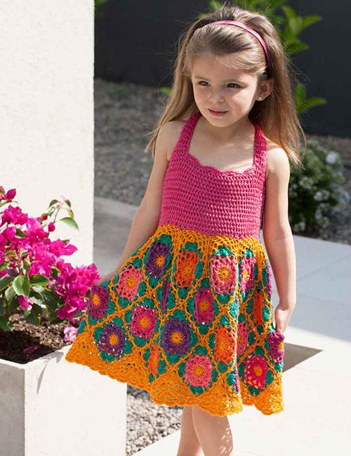 vestido niña con flores a crochet