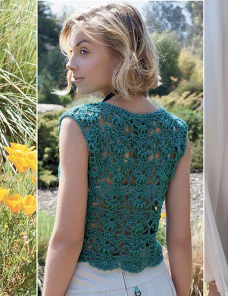 polera verde con detalle esoalda a crochet
